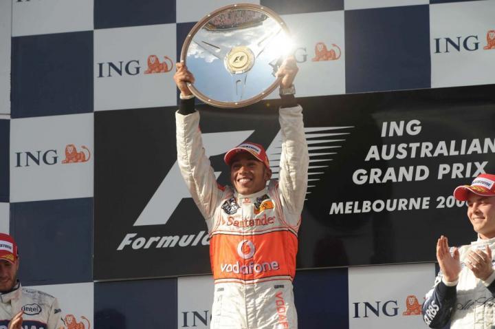 Lewis Hamilton na podium GP Australii 2008