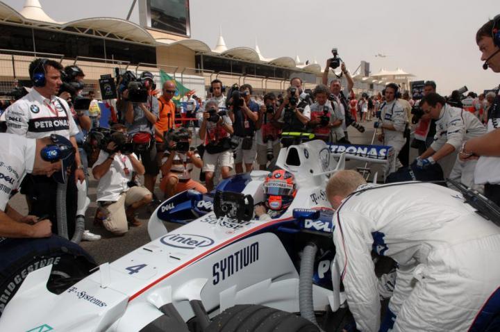 Robert Kubica na starcie do GP Bahrajnu 2008