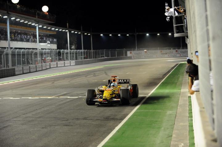 Fernanado Alonso w GP Singapuru 2008
