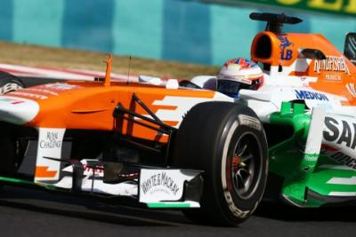 Dwa oczka Force India
