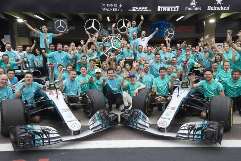 5 tytuł Mercedesa